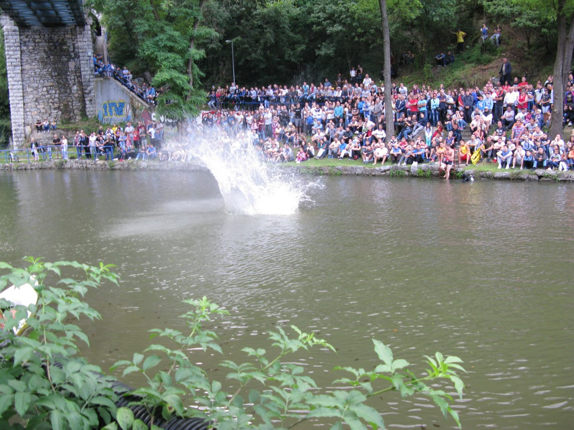Skokovi u vodu sa železničkog mosta Užice 2016.
