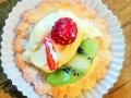 Slatka vocna korpica - slatka korpica, vanil krem i sezonsko voce