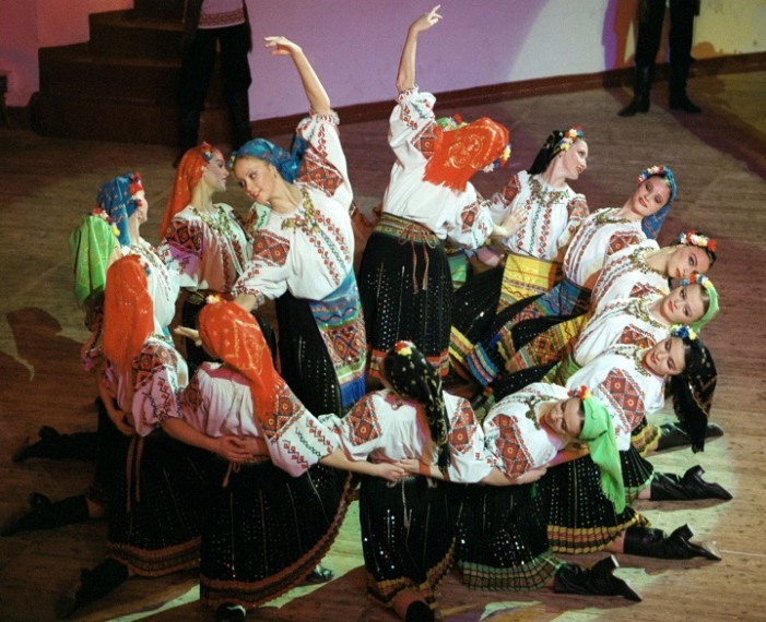 Фолклорно балетски ансамбл Мојсејев