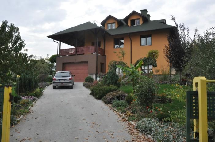 Феноменално двориште Драгице и Горана Тошовића