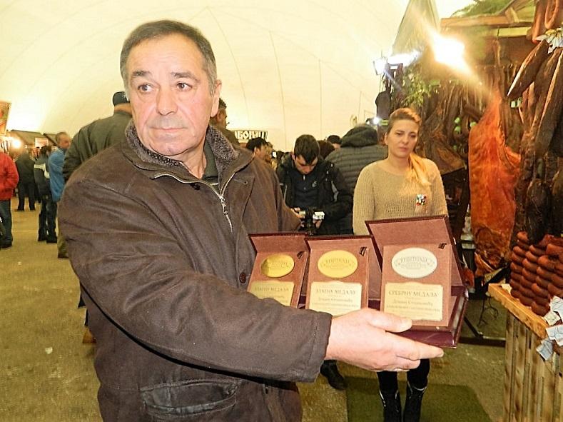Prsutijada - Krsta Stojanovic - najbolja domaca kobasica i svinjska prsuta