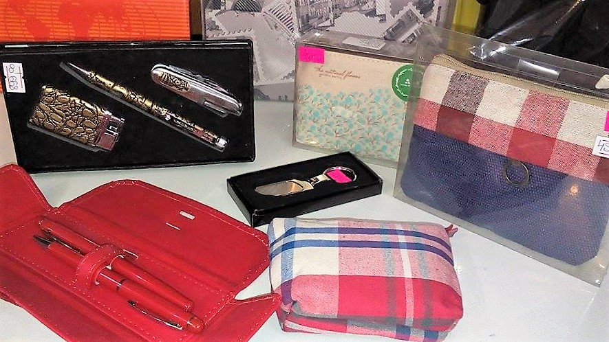 hemijske olovke, penkale, novčanici, futrole za dokumenta petar pan užice, privesci za kljuceve