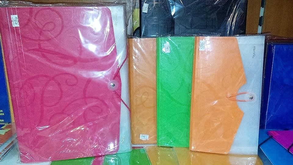petar pan užice plastične fascikle u boji
