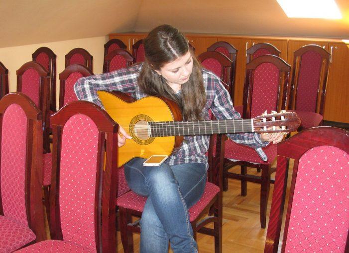 Путујући курс гитаре и у Ужицу