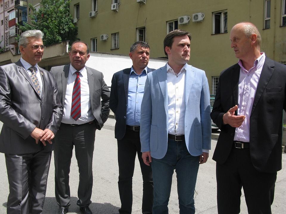 Начелник округа Димитрије Пауновић у средини