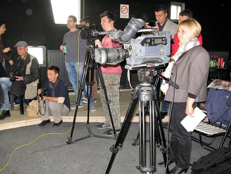 drugovi-novinari