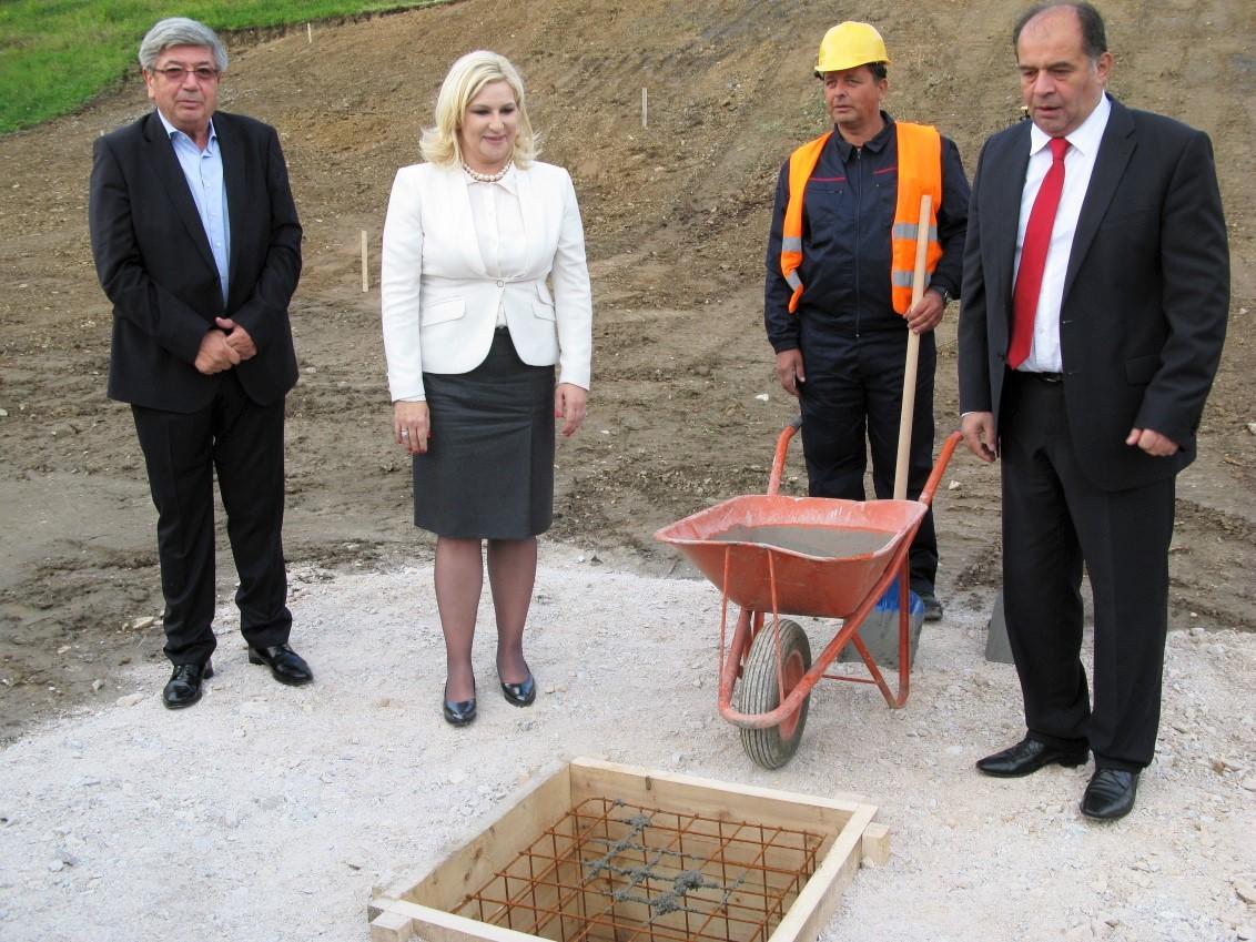 kamen-temeljac-fabrika-vode-uzice-mica-micic-2