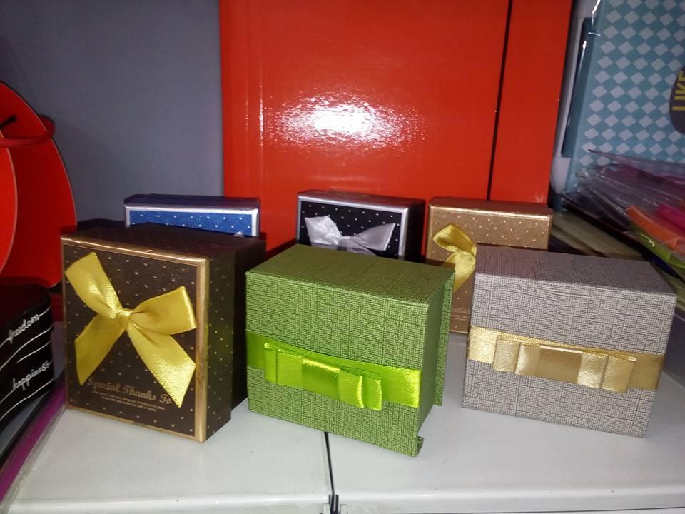 petar-pan-uzice-novogodisnje-kugle-ukras-nakit-kutije-kese-12