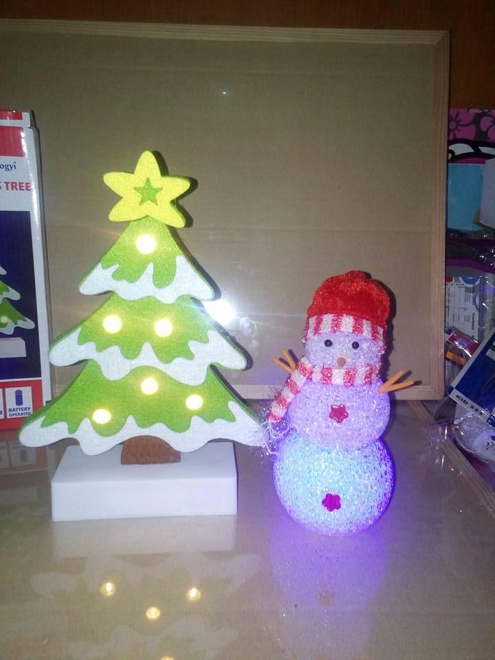 petar-pan-uzice-novogodisnje-kugle-ukras-nakit-svetleci-ukrasi