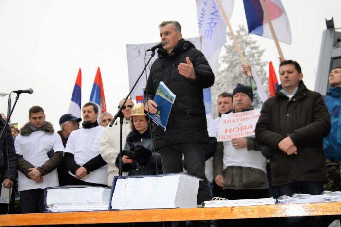 Vučićev režim hoće od Zlatibora da napravi sopstvenu prćiju