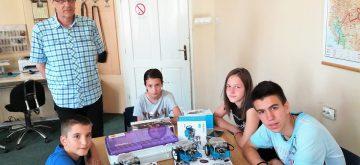 Прваци Србије на такмичењу у програмирању робота