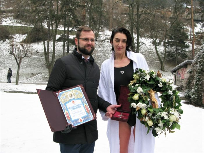 За свој рођендан Марина Лазић освојила крст