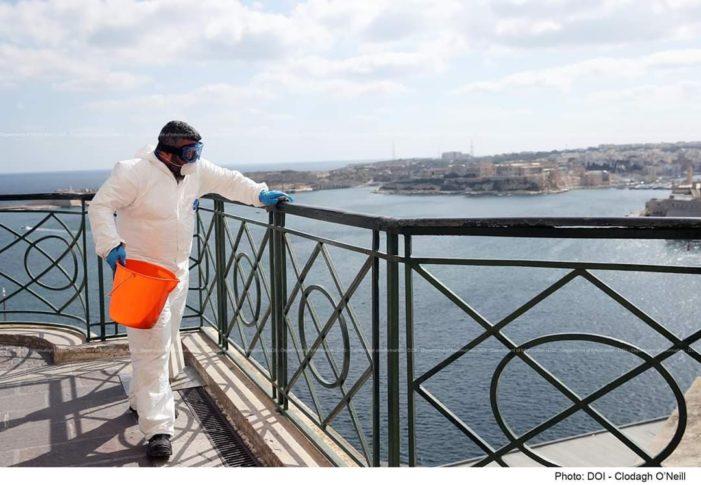 Maltežani dezinfikuju svoju okolinu